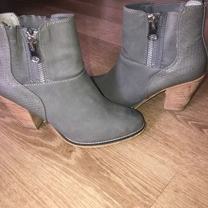 Women's low cut Aldo Boots